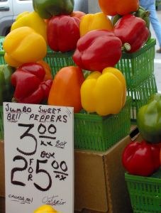 peppers_for_sale_-_byward_market_ottawa_canada_41